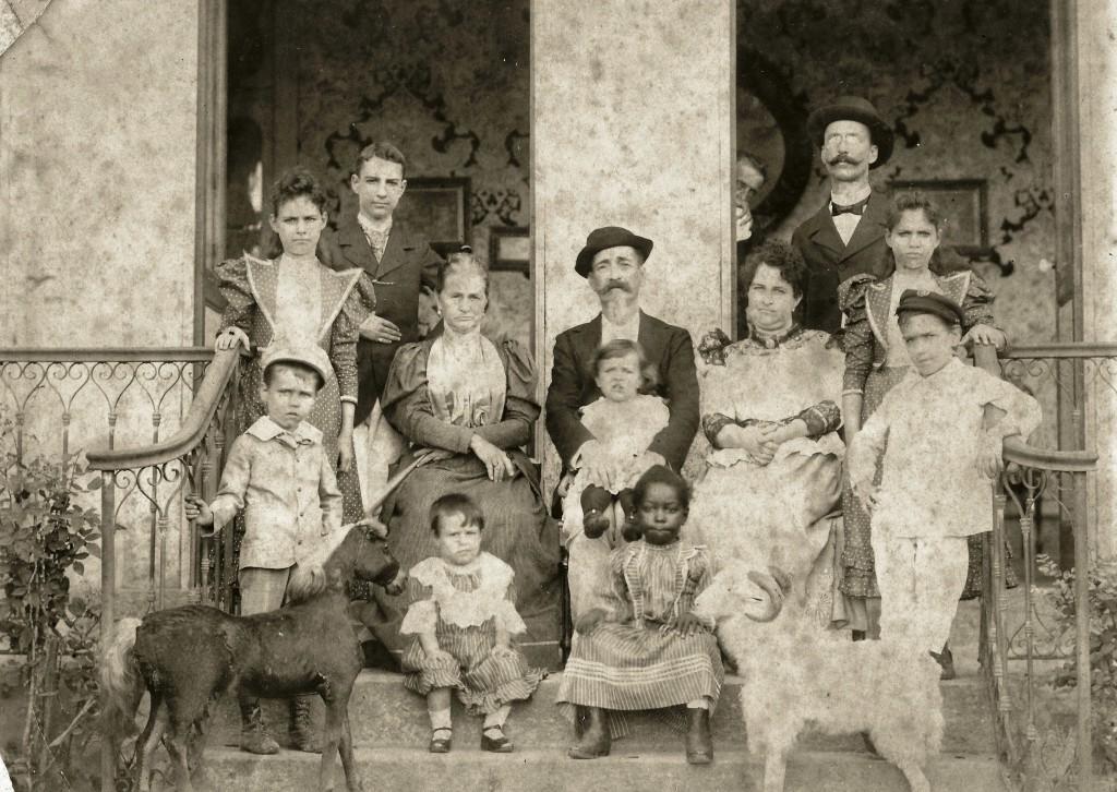 20. 91231-familia-pacheco-1895